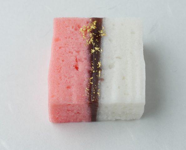 第12回実作部門も 菓子画像(紅白梅図)