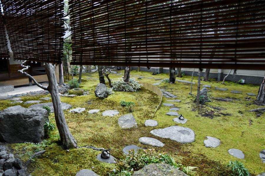 弘道館の苔庭